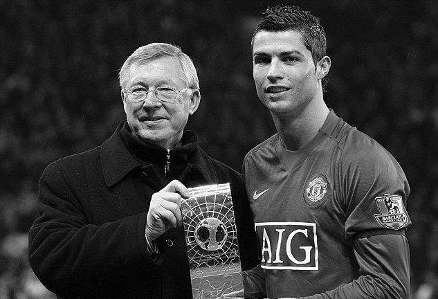 """14 năm trước, MU đã từng """"cướp"""" Ronaldo trước mắt Liverpool như thế nào?"""
