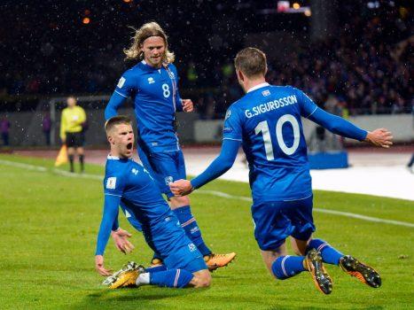 CHÙM ẢNH: Xứ băng đảo vỡ oà hạnh phúc với tấm vé World Cup đầu tiên trong lịch sử
