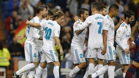 Ronaldo lại nhạt nhòa, Real Madrid vẫn dễ dàng thắng đậm Eibar