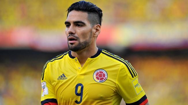 """Nghi vấn """"mãnh hổ"""" Falcao lén lút chỉ đạo dàn xếp tỉ số để loại Chile"""