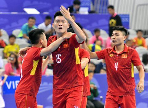 Thi đấu quả quyết, Futsal Việt Nam xuất sắc đánh bại chủ nhà Trung Quốc trong trận cầu rượt đuổi tỷ số siêu kịch tính