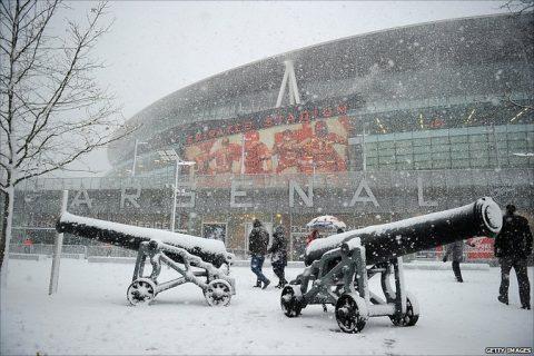 Lý giải nguyên nhân đằng sau việc bóng đá châu Âu chuyển sang giờ mùa đông