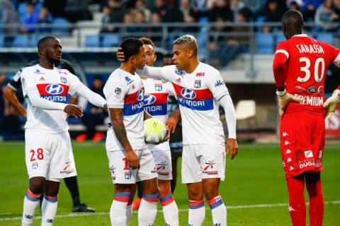 Sau Neymar và Cavani, đến lượt người cũ M.U tranh đá pen với đồng đội và cái kết bất ngờ