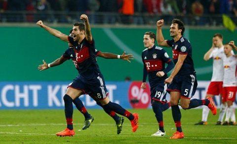 """Thi đấu hơn người, Bayern vẫn phải nhọc nhằn """"giải quyết"""" Leipzig trên loạt sút Penalty đầy cân não"""