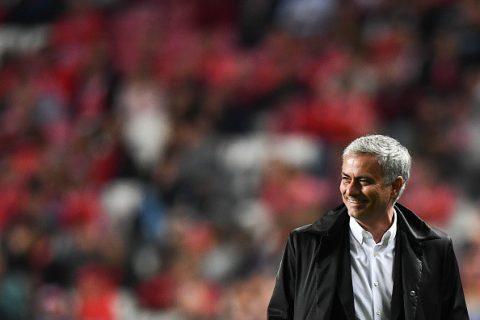 Bị Gerrard và P.Scholes chỉ trích quá thực dụng sau trận thắng Benfica, Mourinho có lời đáp trả cực đanh thép
