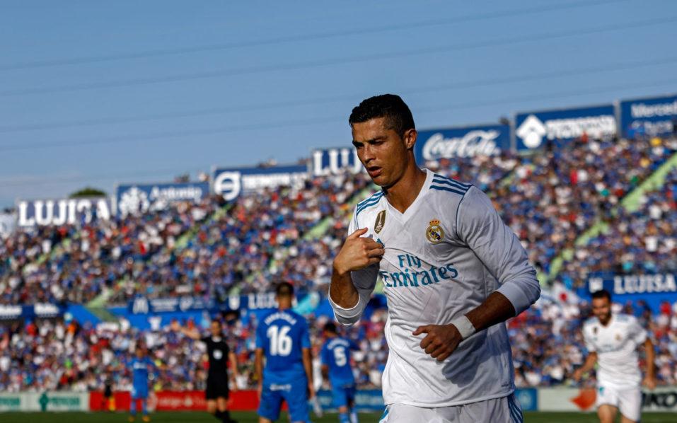 """Ronaldo """"thông nòng"""" tại La Liga sau 8 vòng: Triệu fan vỡ òa, báo giới quỳ rạp"""