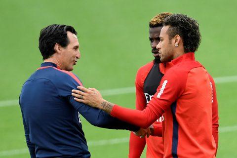 Sau Cavani, Neymar lại gây hấn với HLV Unai Emery