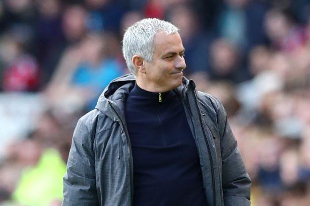 """Man Utd của """"Người đặc biệt"""": Thiên hạ cứ chê, còn Mourinho mỉm cười…"""