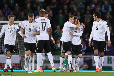 """Dễ dàng khuất phục Bắc Ireland, """"Cỗ xe tăng"""" Đức chính thức thẳng tiến đến Nga dự World Cup 2018"""