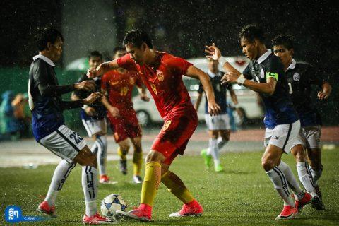 Tấn công dữ dội, Campuchia có trận đấu rất khó tin trước Trung Quốc