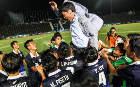 """Sau màn thăng hoa trước Trung Quốc, Campuchia một lần nữa khiến cả ĐNÁ phải """"ngả mũ"""" thán phục"""