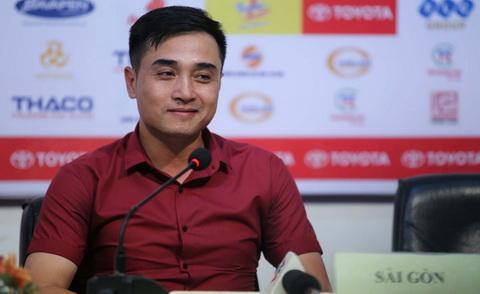 """HLV Sài Gòn FC gây sốc với tuyên bố: """"Tiểu xảo là một phần của bóng đá Việt Nam"""""""