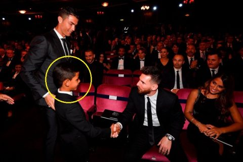 Được gặp thần tượng Messi bằng xương bằng thịt, phản ứng của cậu cả nhà Ronaldo khiến fan thích thú