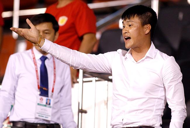 """BTC V-League bất lực trong việc đưa ra án phạt vì Công Vinh… """"nhận vơ"""" ghế quyền Chủ tịch"""