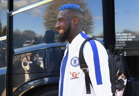 Giữ đúng lời hứa với fan, sao Chelsea chính thức nhuộm xanh mái đầu