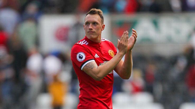 Thi đấu ấn tượng, Phil Jones sắp được Man Utd thưởng lớn