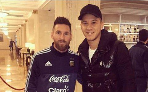 Hy hữu: Messi phải đăng đàn xin lỗi vì nhận nhầm cầu thủ đồng hương thành… CĐV