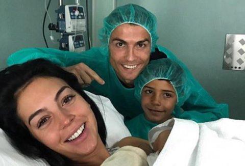 Georgina sinh sớm, Ronaldo hân hoan chào đón cô công chúa đầu lòng