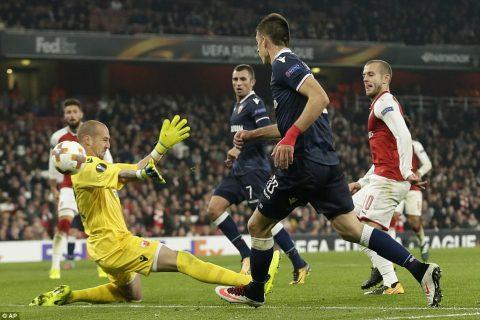 Bị Crvena Zvezda cầm hòa đáng tiếc, Arsenal vẫn chính thức vượt qua vòng bảng Europa League