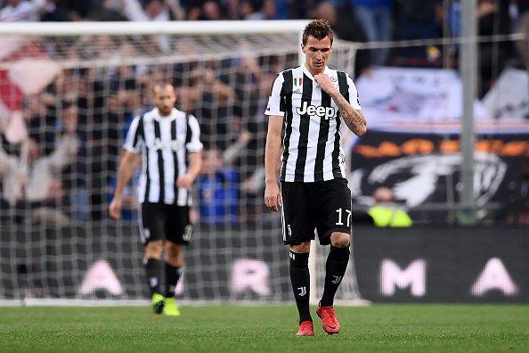 Ghi liền 2 bàn phút bù giờ, ĐKVĐ Juve vẫn thua cực sốc, bị Napoli cắt đuôi trên BXH