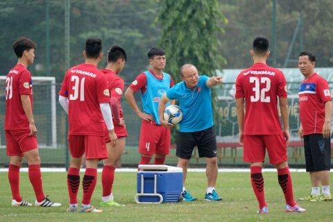Trước trận gặp Afghanistan, HLV Park Hang-seo ra tuyên bố đanh thép buộc các tuyển thủ phải làm bằng được
