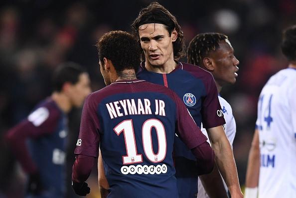 CHÙM ẢNH: Cavani lại 'giành' đá pen với Neymar và cái kết cực đắng