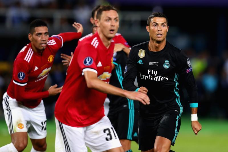 Mâu thuẫn với Ramos, Ronaldo rục rịch rời Real về NHA nhưng không phải tới M.U khiến fan choáng váng