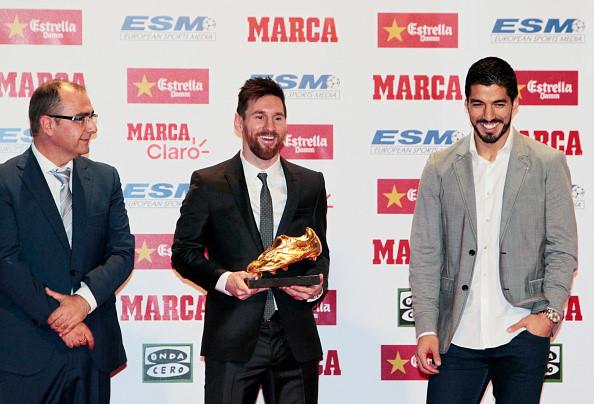 """CHÙM ẢNH: Messi diện đồ cực bảnh trong ngày """"chung mâm"""" với đại kình địch Ronaldo"""