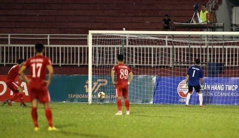 TOP 10 bê bối đáng xấu hổ khiến V-League 2017 không khác gì trò hề sân cỏ