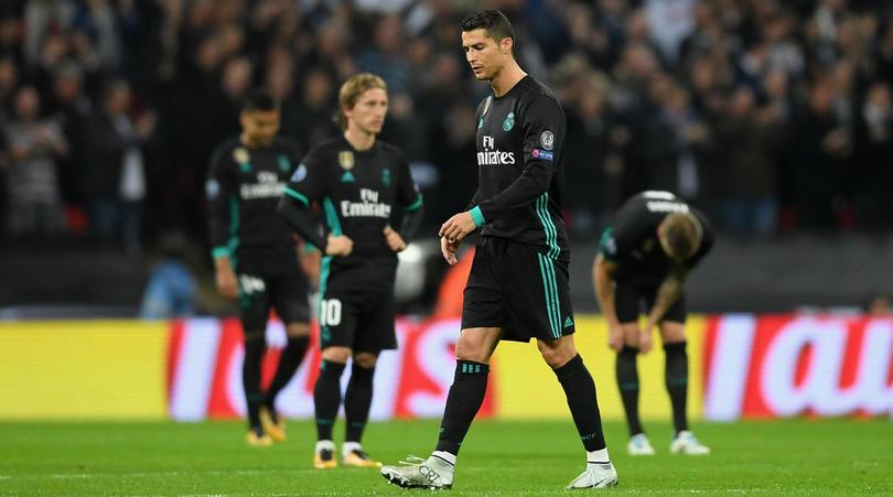 """Real chỉ về nhì vòng bảng Cup C1: """"Mãnh thú"""" chờ xẻ thịt, nguy cơ bị loại sớm"""