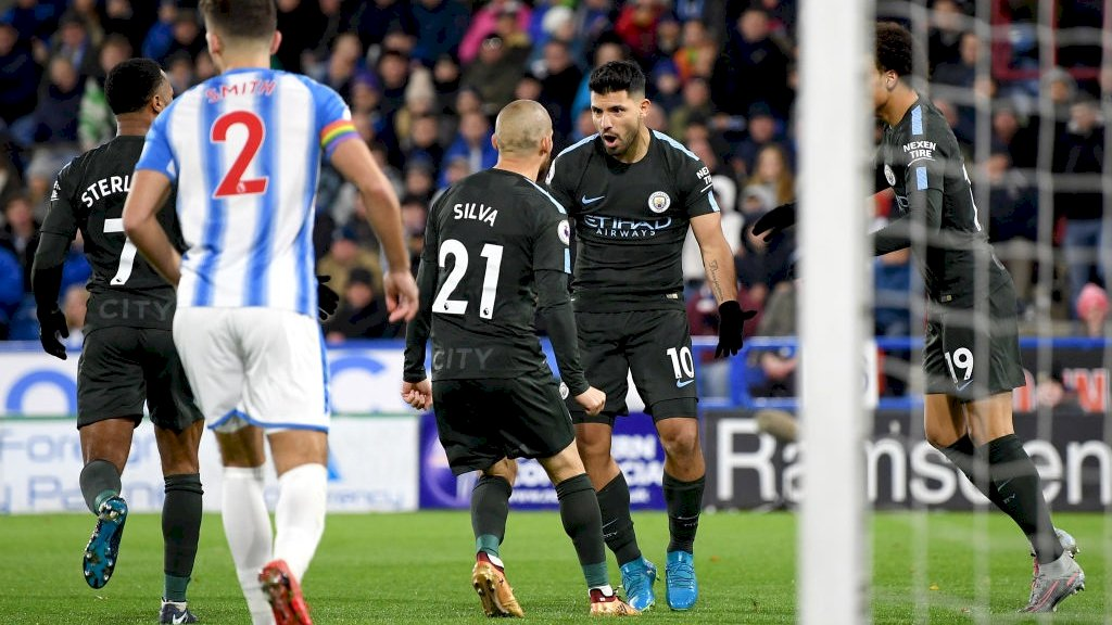 Ngược dòng may mắn hạ Huddersfield, Man City lập nên 2 siêu kỷ lục vô tiền khoáng hậu