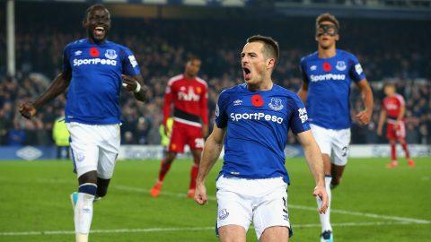 CHÙM ẢNH: Cầu thủ Everton vỡ òa hạnh phúc sau cuộc lội ngược dòng không tưởng trước Watford