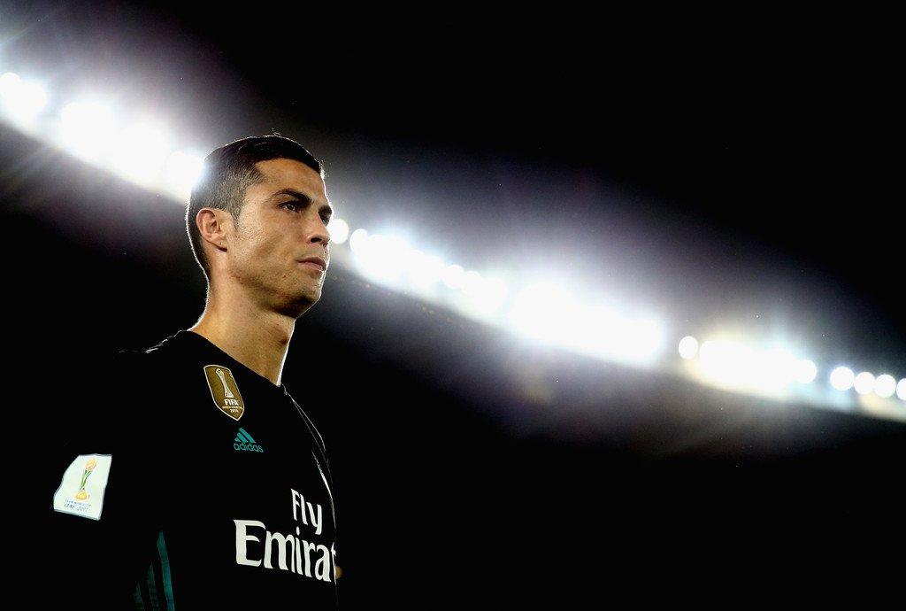 """CHÙM ẢNH: """"Tượng đài"""" Ronaldo đứng sừng sửng trong ngày lập kỉ lục tại FIFA Club World Cup"""
