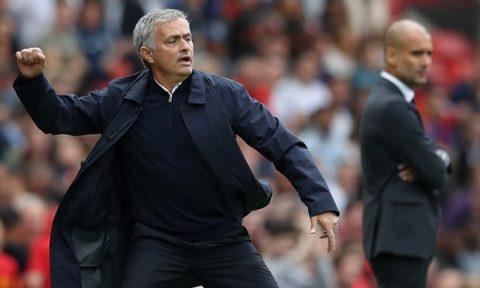 Guardiola đang phá kỷ lục, còn Mourinho tự phá chính mình