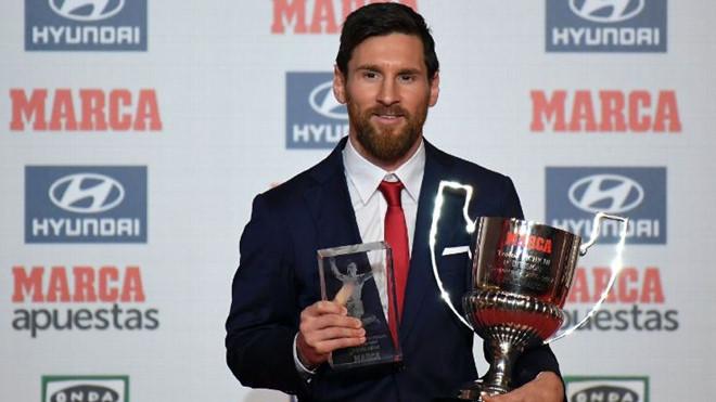 """Messi liên tiếp vượt """"đại kình địch"""" Ronaldo ở hai giải thưởng danh giá nhất La Liga"""