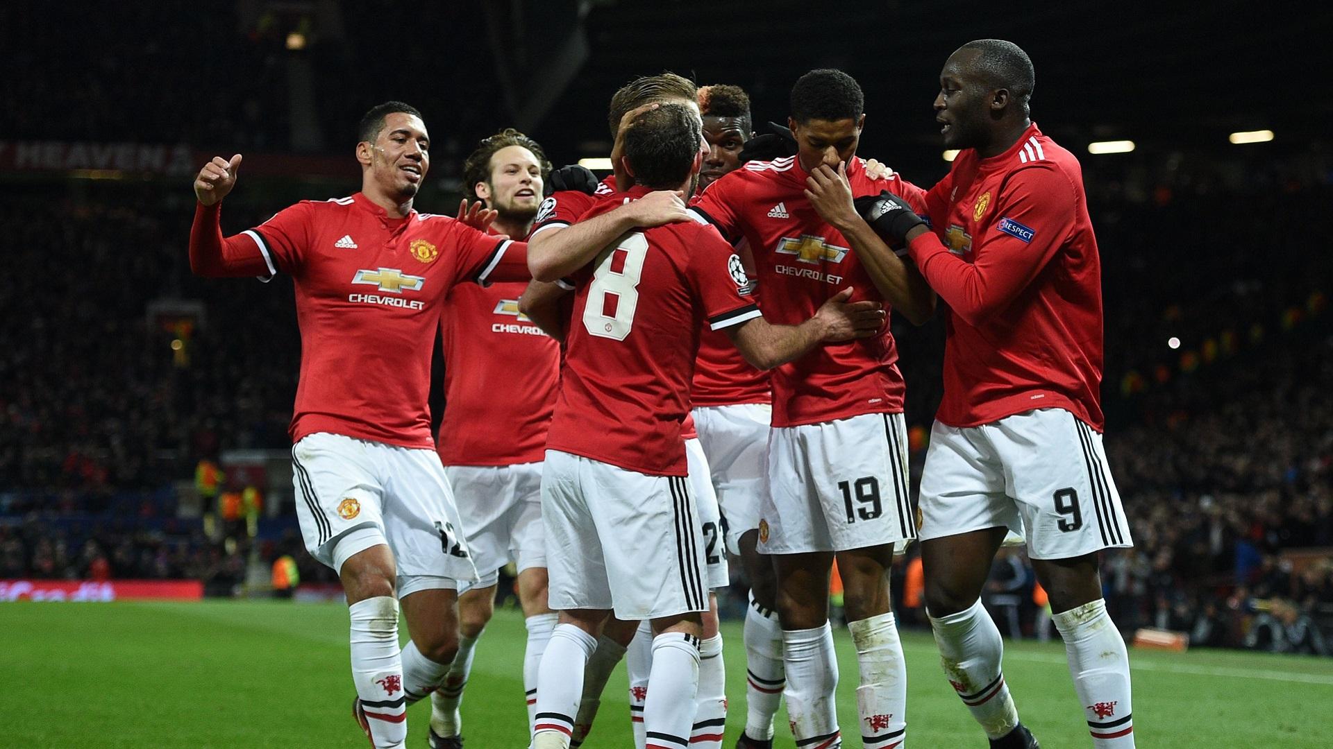 Thấy gì sau khi M.U của Mourinho chính thức đoạt vé vào vòng 1/8 Champions League?