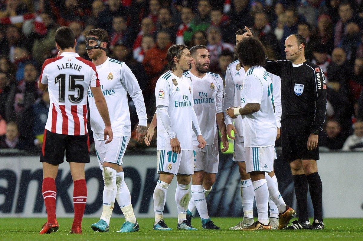 Quy định cực dị của FIFA đe dọa phá hoại El Clasico của Real Madrid