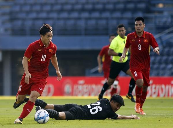 Fan Thái bất ngờ cảm ơn Việt Nam, thuyết phục Công Phượng sang xứ Chùa tháp chơi bóng