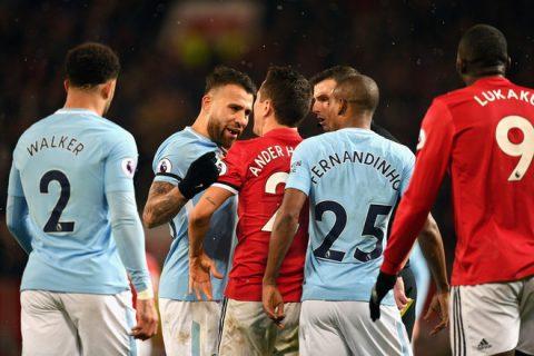 """Nhận thất bại cay đắng, nhưng Mourinho phải cảm ơn """"chàng ngự lâm quân"""" của Old Trafford"""