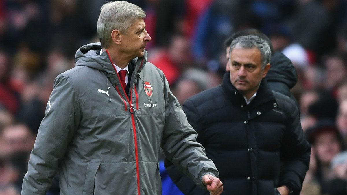 """Quỳ gối trước 'Giáo sư' Wenger, Mourinho sẽ đi vào """"lịch sử"""" M.U"""