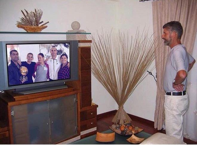 Bức ảnh xúc động rơi nước mắt về tình cảm gia đình nhà Ronaldo