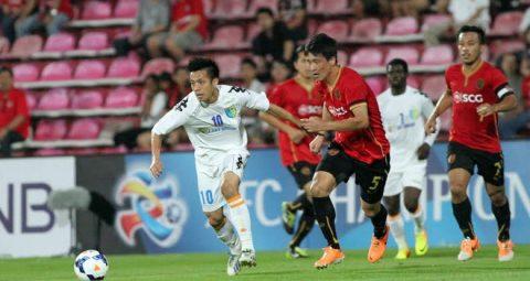 Cầu thủ Việt có chạnh lòng nếu biết lương đồng nghiệp ở Thái Lan, Malaysia?