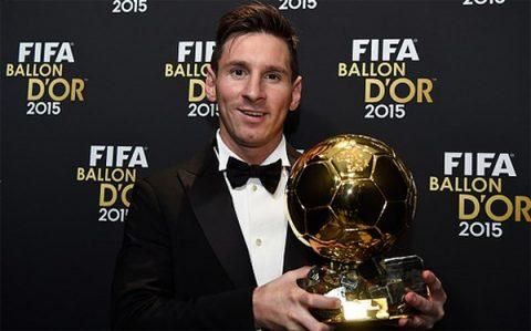 """5 trận đấu có thể giúp Messi """"bật kèo"""" Ronaldo để giành Quả bóng Vàng 2017"""
