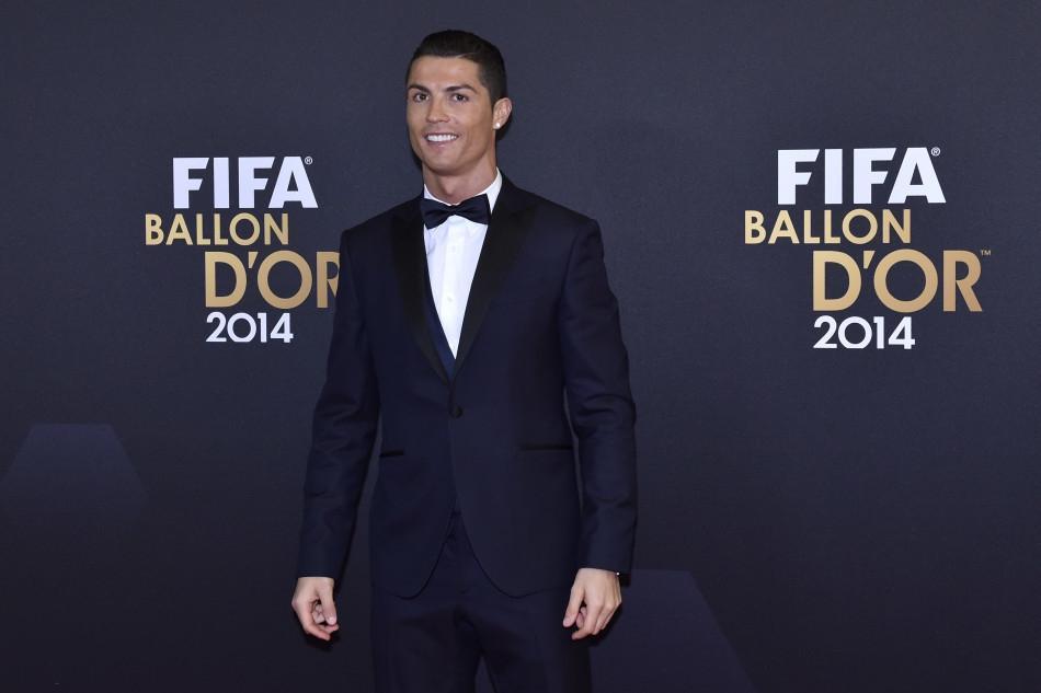 Vừa giành bóng vàng, Ronaldo vội chốt ngay tương lai