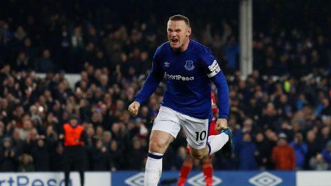 Đặt dấu giày trong 3 bàn thắng của Everton, Rooney vượt mặt huyền thoại khiến cả Premier League kinh ngạc
