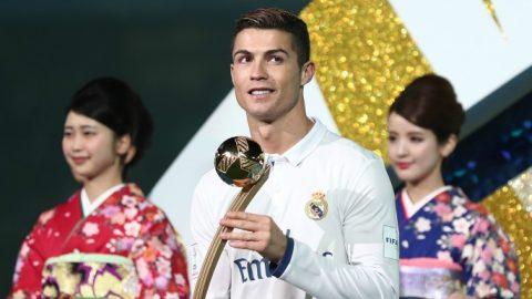 """Nổ súng ở FIFA Club World Cup, CR7 sẽ đánh bại Messi và Lewandowski để nhận """"danh hiệu"""" cao quý này?"""