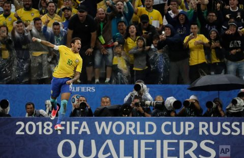 Chiêm ngưỡng 18 bức ảnh thể thao đẹp nhất năm 2017: Neymar, Messi góp mặt