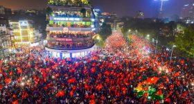 Truyền thông Trung Quốc thi nhau đăng tải màn ăn mừng của người dân VN sau chiến thắng của đội U23