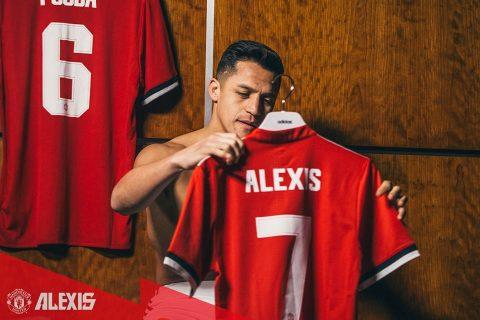 CHÙM ẢNH: Alexis Sanchez rạng rỡ khi trở thành số 7 mới tại Old Trafford khiến fan phát cuồng