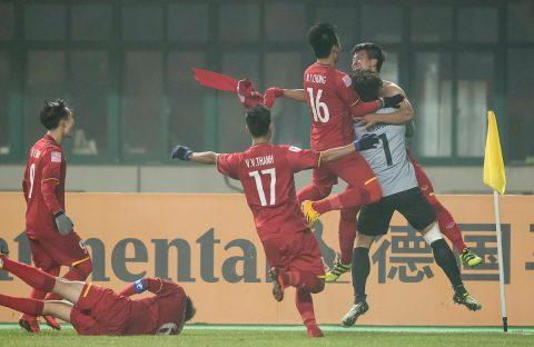NHM bóng đá Quốc tế: 'Một trận đấu phi thường, hay nhất từng có, tuyệt vời Việt Nam'